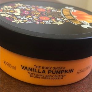 The Body Shop- Vanilla Pumpkin Body Butter. NEW